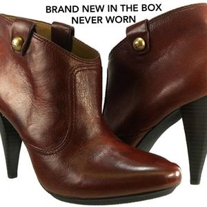 COACH ALIZA Waxy Leather Ankle Boots